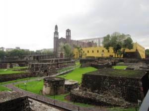 Plaza Tlatelolcol (Montículo de Arena)