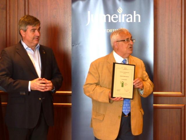 Jesús Felipe Gallego, Presidente de ISTur y  Fernando Gibaja, General Manager Port Soller Hotel & Spa, primer hotel en España certificado con la Norma HES Oro