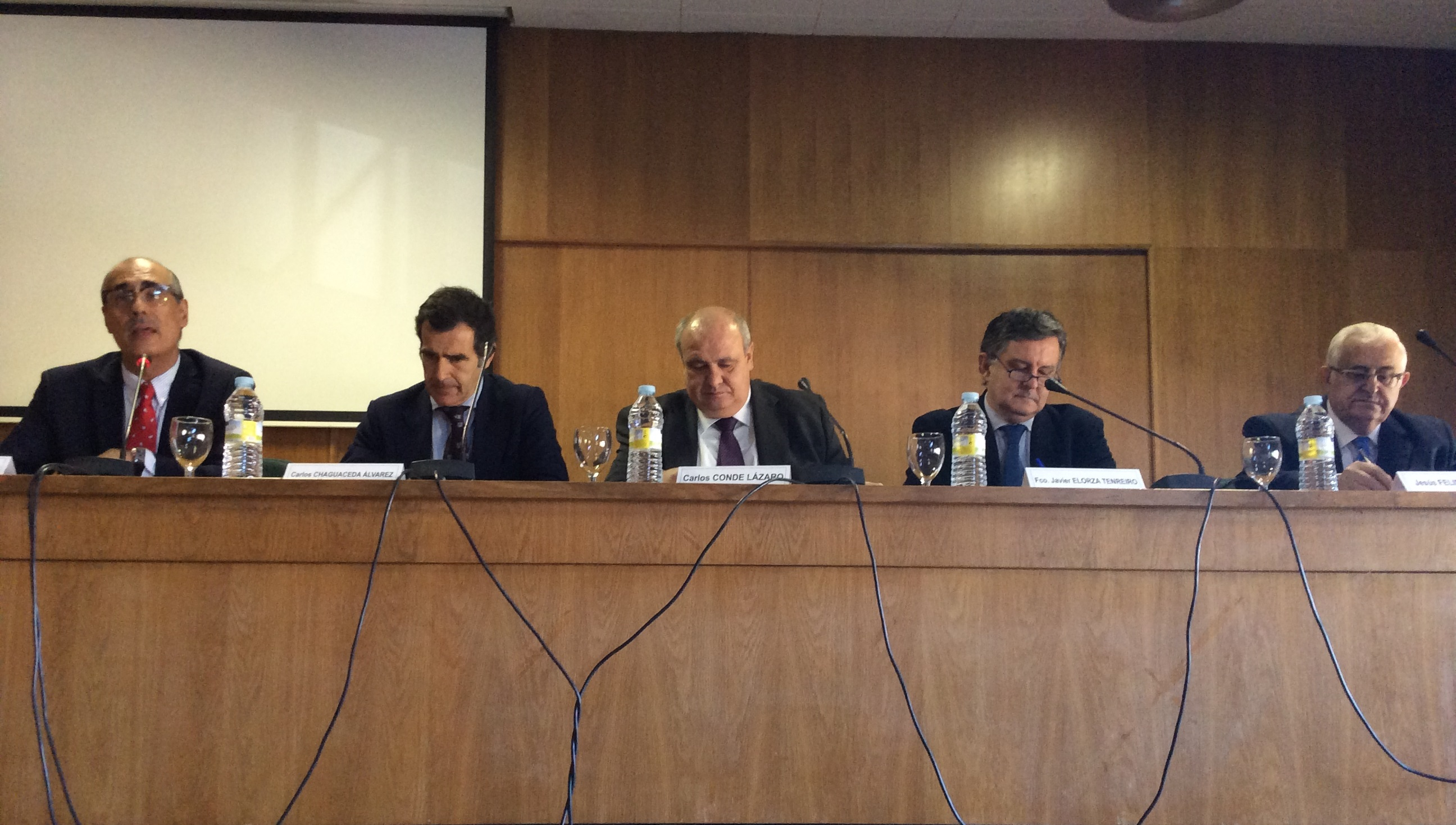 De izquierda a derecha: Dr. José Antonio Sánchez Núñez, D. Carlos Chaguaceda Álvarez, Dr. Carlos Conde Lázaro, Dr. Francisco Javier Elorza Tenreiro y D. Jesús Felipe Gallego